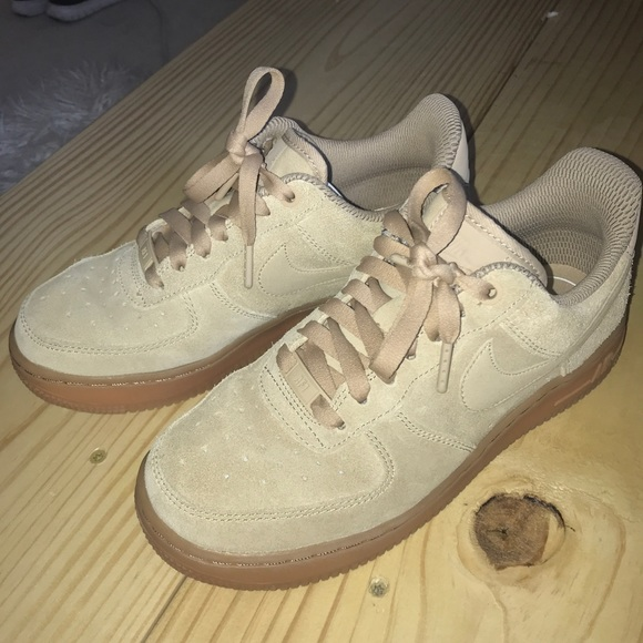 Nike Air Force 1 07  LV8 Suede Womens Sneakers. M 5b5a0db0cdc7f72d7add4289 51f974a7b0
